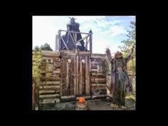 DIY Haunted Entrance Gate
