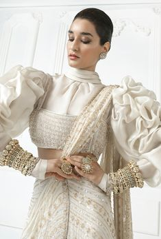 Indian Bridal Fashion, Indian Fashion Dresses, Dress Indian Style, Indian Wedding Outfits, Indian Wear, Indian Outfits, Fashion Outfits, Designer Sarees Collection, Latest Designer Sarees