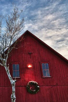 .Makes me think of Ann Voskamp.  Maybe her barn looks like this?