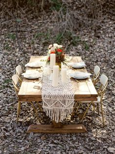 Bohemian macrame knotted backdrop with flowers | Deer Pearl Flowers