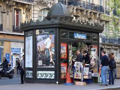 paris…your news stands are the cutest   French Essence