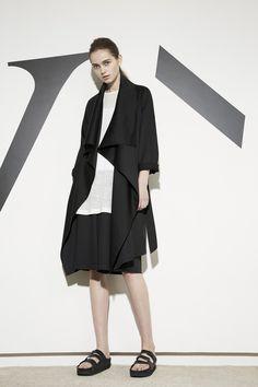 Y's by Yohji Yamamoto Ready To Wear Resort 2016 - NOWFASHION