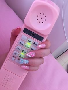 Pink and aesthetic image Aesthetic Vintage, Aesthetic Photo, Aesthetic Pictures, Aesthetic Pastel, Aesthetic Colors, Pink Love, Pretty In Pink, Imagenes Color Pastel, Telephone Vintage