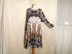 Einzelteil  traumschöne Shirttunika aus kuschelweichem  Edeljersey mit Batikmuster  3/4 Arm  Weiß mit Beige und Grau    schön zu  Leggins