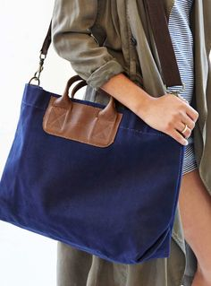 blue saddlebach tote bag  http://rstyle.me/n/qc69ipdpe
