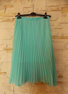 Kup mój przedmiot na #vintedpl http://www.vinted.pl/damska-odziez/spodnice/15946738-blogerska-mietowa-plisowana-spodnica-midi-ml