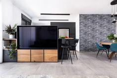 Black and oak modern kitchen מטבח שחור ואלון Flat Screen, Sweet Home, Blood Plasma, House Beautiful, Flatscreen, Dish Display