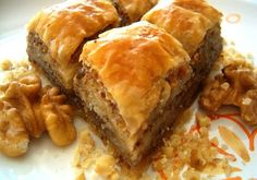 Baklava: one of my fave foods EVER. I love making baklava at Christmas time. Brownie Desserts, Just Desserts, Delicious Desserts, Dessert Recipes, Iftar, Kolaci I Torte, Good Food, Yummy Food, Cannoli