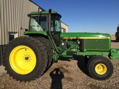 John Deere 4760 Tractor for sale by owner on Heavy Equipment Registry. http://www.heavyequipmentregistry.com/heavy-equipment/14248.htm