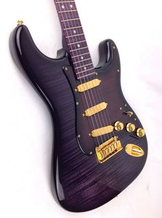 Fender Stratocaster Purple Reign - In my opinion would look better with a rosewood fingerboard.