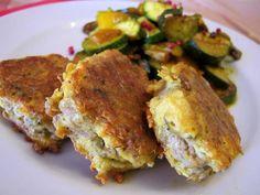 Thunfischfrikadellen (glutenfrei & lowcarb & paleo) Rezept Abendessen, Zwischendurch - Gesund Abnehmen! Low carb, wenig Kohlenhydrate und viel Fett! Eine schnell gemachte Eiweiß-Mahlzeit.   So geht´s:   Den Thunfisch aus der Dose holen und in ein Küchentuch legen. Mit den Händen kräftig ausdrücken.   Die Eier in einer Schüssel aufschlagen und würzen. Den abgetropften Thunfisch zu den Eiern rühren und mit einer Gabel zerdrücken.   In einer Pfanne Kokosöl (VCO) oder Schmalz erhitzen und