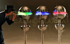 Using cutting-edge, ultrasonic vapourising technology, our Edible Mist Orbs create a continuous cloud of intense flavoured mist that guests can inhale through a straw. Edible Creations, Make Ice Cream, Incredible Edibles, Ice Cream Desserts, Willy Wonka, Chocolate Factory, Fun Events, Party Entertainment, The Magicians