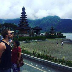 calumhood: Posting photos of only ashton in Bali on ponder. Calum Hood, Calum Thomas Hood, Ashton Irwin, Pop Rock Bands, Cool Bands, 5sos Pictures, 5secondsofsummer, Luke Hemmings, Bali