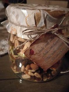 Joululahja, jouluherkut,omasta maasta, kuivatut omenat, christmas gift, pähkinäsekoitus, homemade, KettulaFactory