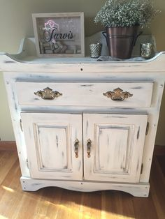 Refurbished by hand. Distressed dry sink with chalk paint. Custom by @jboooms