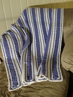 Shells and Stripes Afghan - pinned by pin4etsy.com