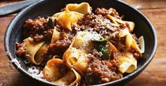 Colin's rich bolognaise Add loads of herbs and beef stock for a really robust sauce. Your weekend pasta bolognaise has never tasted so good! Mince Recipes, Pasta Recipes, Beef Recipes, Cooking Recipes, Mince Meals, Pork Mince, Recipe Pasta, What's Cooking, Recipes Dinner