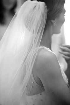 Classic Bridal Veil | photography by http://www.artisanevents.com/