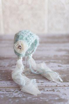 Blue and Cream. Crochet Newborn Bonnet. Vintage Style. Photo Prop. Knit Hat. Baby Girl Newborn Crochet Patterns, Crochet Kids Hats, Crochet Bebe, Knitted Hats, Hat Crochet, Crochet Baby Bonnet, Baby Girl Hats, Baby Girls, Baby Bonnets