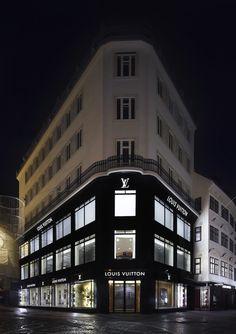 PETER MARINO TRAVELS WITH LOUIS VUITTON FOR THE NEW STORE IN VIENNA  www.designspeaking.com