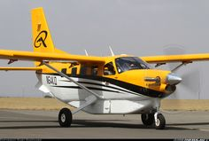 This is the plane I would buy if I ever had a million bucks! The Quest Kodiak back country plane can land/takeoff in less than 1000 feet. Private Pilot, Private Plane, Kodiak Aircraft, Quest Kodiak, Stol Aircraft, Bush Pilot, Propeller Plane, Bush Plane, Air Machine