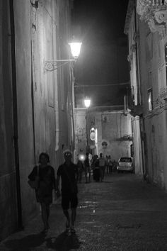 Romantic stroll through the streets of #Ortigia #Siracusa #Sicily