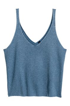 - Check this out! Fine-knit, ribbed tank top in a soft viscose blend. V-neck front. H&m Fashion, Fashion Outfits, Cropped Tank Top, Crop Tank, V Neck Tank Top, Crop Shirt, V Neck Tops, Knitted Tank Top, Look At You