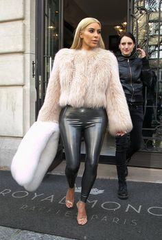 Легинсы снова в моде: 20 доказательств от Ким Кардашьян, Беллы Хадид и Мирославы Дума | Журнал Harper's Bazaar
