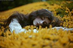 """""""Lizzie in Wonderland"""" by Marta Bevacqua Photography"""