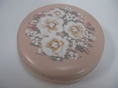 Hornsea Pottery Pink Box by MissieMooVintageRoom #hornseapottery #pinkpottery #etsy #mothersday #pinkhornsea