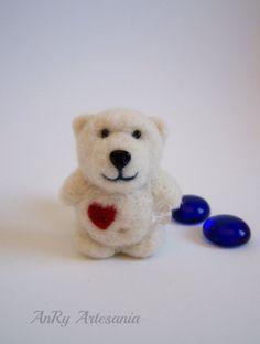 Needle felted small bearwhite polar teddy. by ArteAnRy on Etsy, €12.00