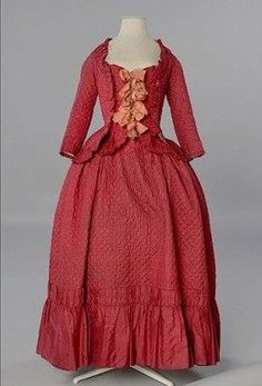 Quilted silk taffeta caraco (jacket) and skirt, 1780-85.