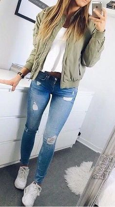 65 Fall Outfits for School to COPY ASAP I love these fall winter outfit ideas that anyone can wear teen girls or women. The ultimate fall fashion guide for high school or college. Cute simple look with ripped blue jeans sneakers and a green bomber jacket. Winter Outfits For Teen Girls, Fall Outfits For School, Fall Winter Outfits, Summer Outfits, Cute Outfit Ideas For School, Cute Highschool Outfits, Winter Shoes, Winter Wear, Winter Clothes