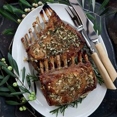Garlic-Crusted Roast Rack of Lamb - EASY - Saw in Food & Wine - Kenny Rochford's. Garlic-Crusted Roast Rack of Lamb - EASY - Saw in Food & Wine - Kenny Rochford's favorite way to prepare a rack of l Roasted Rack Of Lamb Recipe, Roast Rack Of Lamb, Lamb Rack Recipe, Rack Of Lamp Recipe, Roast Recipes, Wine Recipes, Cooking Recipes, Recipe For Roast, Recipes For Lamb
