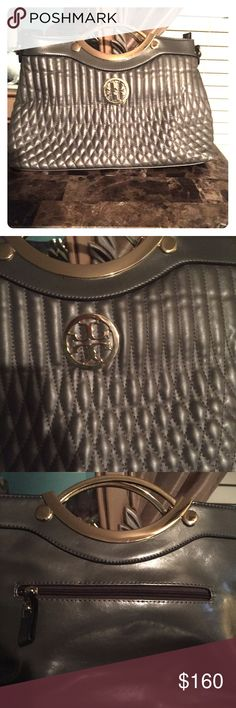 Classical Tory Burch size medium bag Classical Tory Burch silver green handbag medium Tory Burch Bags Shoulder Bags