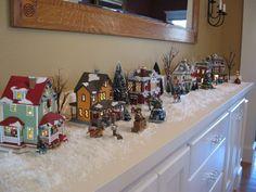 Prazer em uma Vila de Natal !  Quando uma pessoa é envolvida pelo natal, fatalmente, vai notá-la e ter  uma. Montar sua vila natalina é um dos maiores prazeres que a decoração natalina proporciona.
