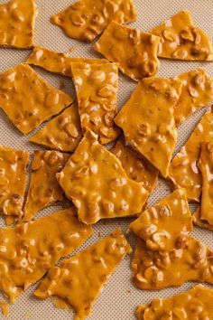 10 Most Misleading Foods That We Imagined Were Being Nutritious! This Classic Peanut Brittle Recipe Is Easy To Make, Full Of Buttery Peanut Flavor, And Is Great For Packaging Up As Holiday Gifts. Delicious Cake Recipes, Healthy Dessert Recipes, Baking Recipes, Desserts, Cookie Recipes, Peanut Recipes, Soap Recipes, Hard Candy Recipes, Sweet Recipes