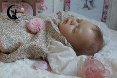Ninon. Reborn Baby doll girl kit Yanie de Gudrun Legler.