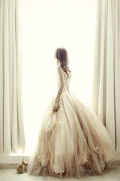 So Pretty! Cecilia's Fairytale Portrait Session (Melta Yani Wedding Dress)