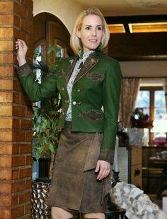 German Girls, Leather Fashion, Buy Bitcoin, Traditional, Secretary, Lady, Womens Fashion, Outfits, Beauty