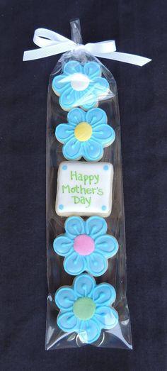 Lora Brewster via LTC Mother's Day Cookies, Summer Cookies, Mini Cookies, Fancy Cookies, Iced Cookies, Cute Cookies, Cookies Et Biscuits, Holiday Cookies, Cupcake Cookies