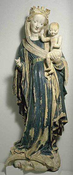 Rhin moyen  vers 1415    La Vierge à l'Enfant sur le croissant de lune   Provenant de l'abbaye d'Eberbach  Terre cuite (type kaolin) polychromée  H. : 1 m.