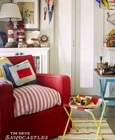 Nautical Vintage: http://beachblissliving.com/beach-vintage-decor/