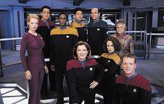 star trek voyager - my fav of the treks ^_^ <3 captain janeway (kate mulgrew)