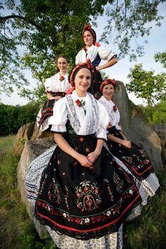 Burgenland/Gradišće Folklore, Folk Costume, Costumes, Jeweled Shoes, Austria, People Of The World, Ethnic Fashion, Historical Clothing, Girls Wear