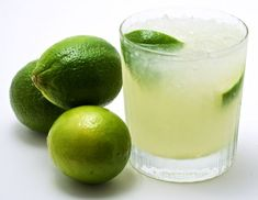 The Caipirinha // lime, sugar, cachaca, ice. Tasted a Caipirinha Friday night for the first time.it was delicious! Cocktail Shaker, Cocktail Drinks, Cocktail Recipes, Refreshing Cocktails, Vodka, Tequila, Summer Drinks, Gastronomia, Texas De Brazil