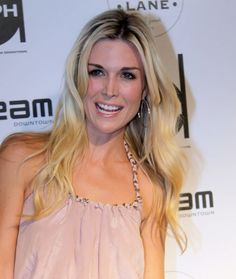 Tinsley Mortimer wears sexy curls