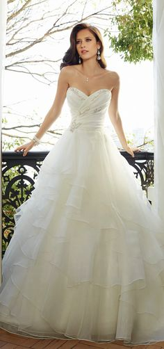 Sophia Tolli 2015 Bridal Collection | #wedding #dress http://everybrideswedding.weebly.com/