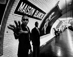 The names of the Paris subway stations can be a source of great inspiration for a talented artist. As is evident from these photographs, whereby crazy scenes are staged in paris subway stations which embody the name of those stations.