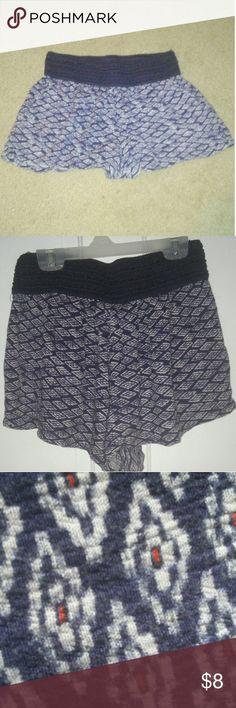 Printed flowy shorts X large flowy shorts. Good condition. Has pockets Joe B Shorts